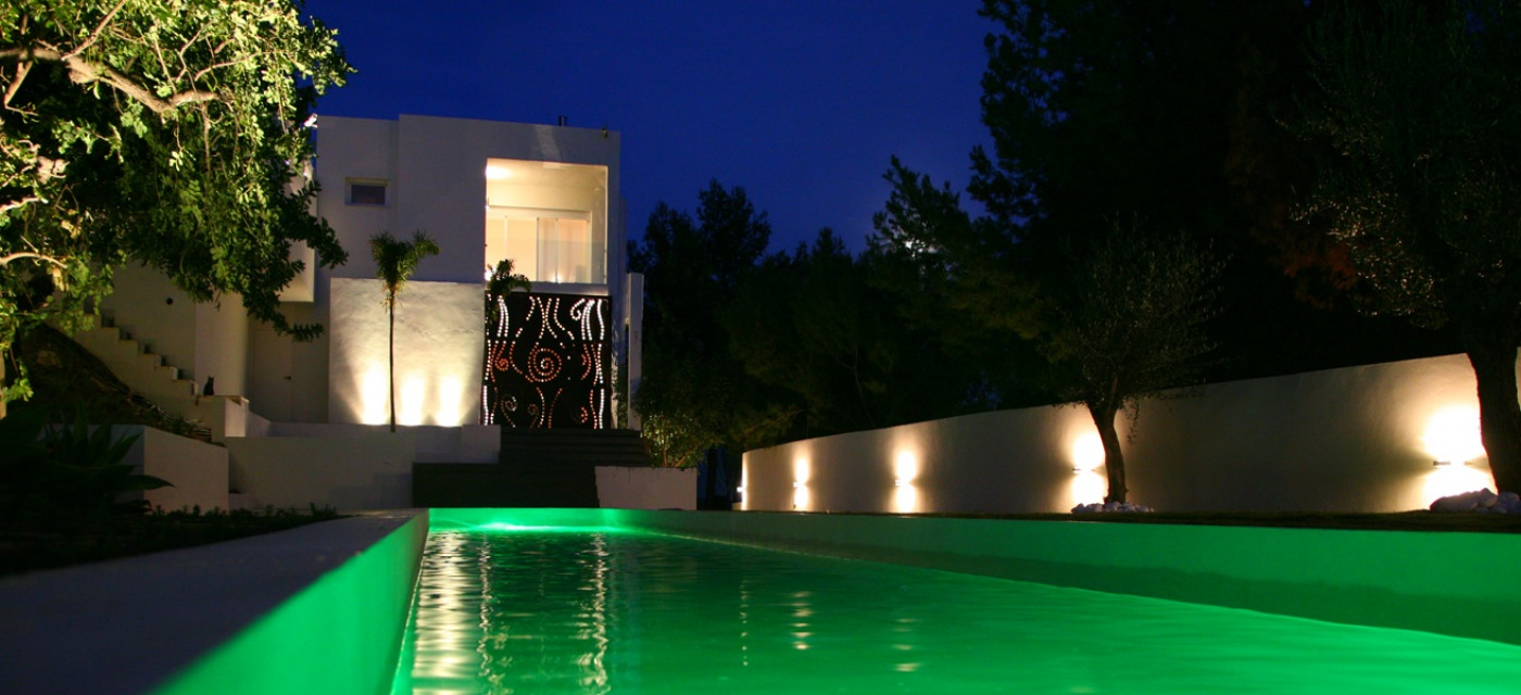 Ignialight piscina privada for Piscina privada